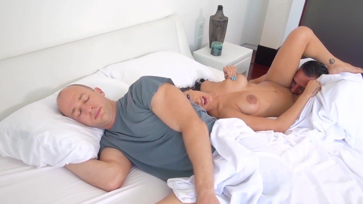 Tranny fuking girls pics